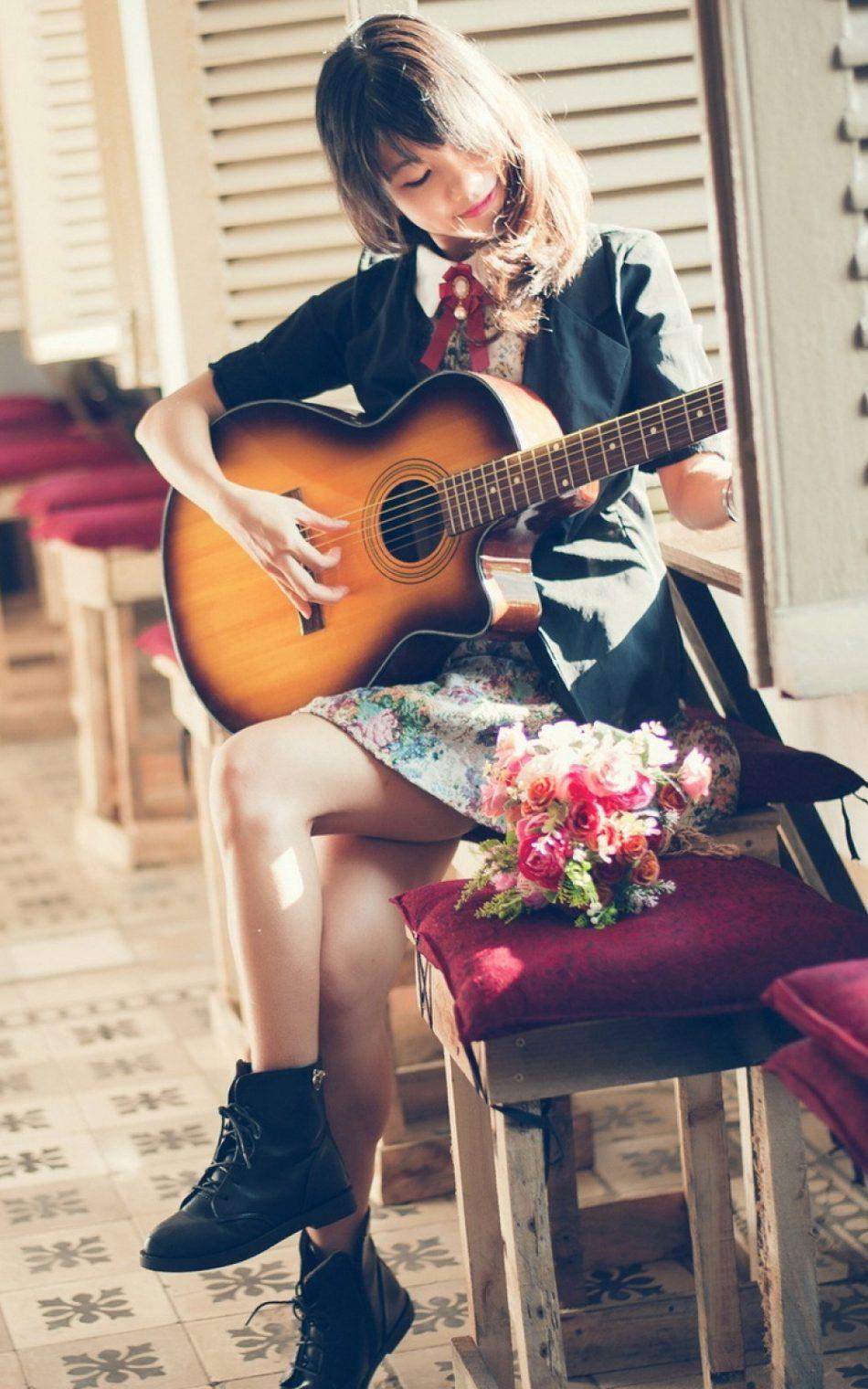 Acoustic Girl
