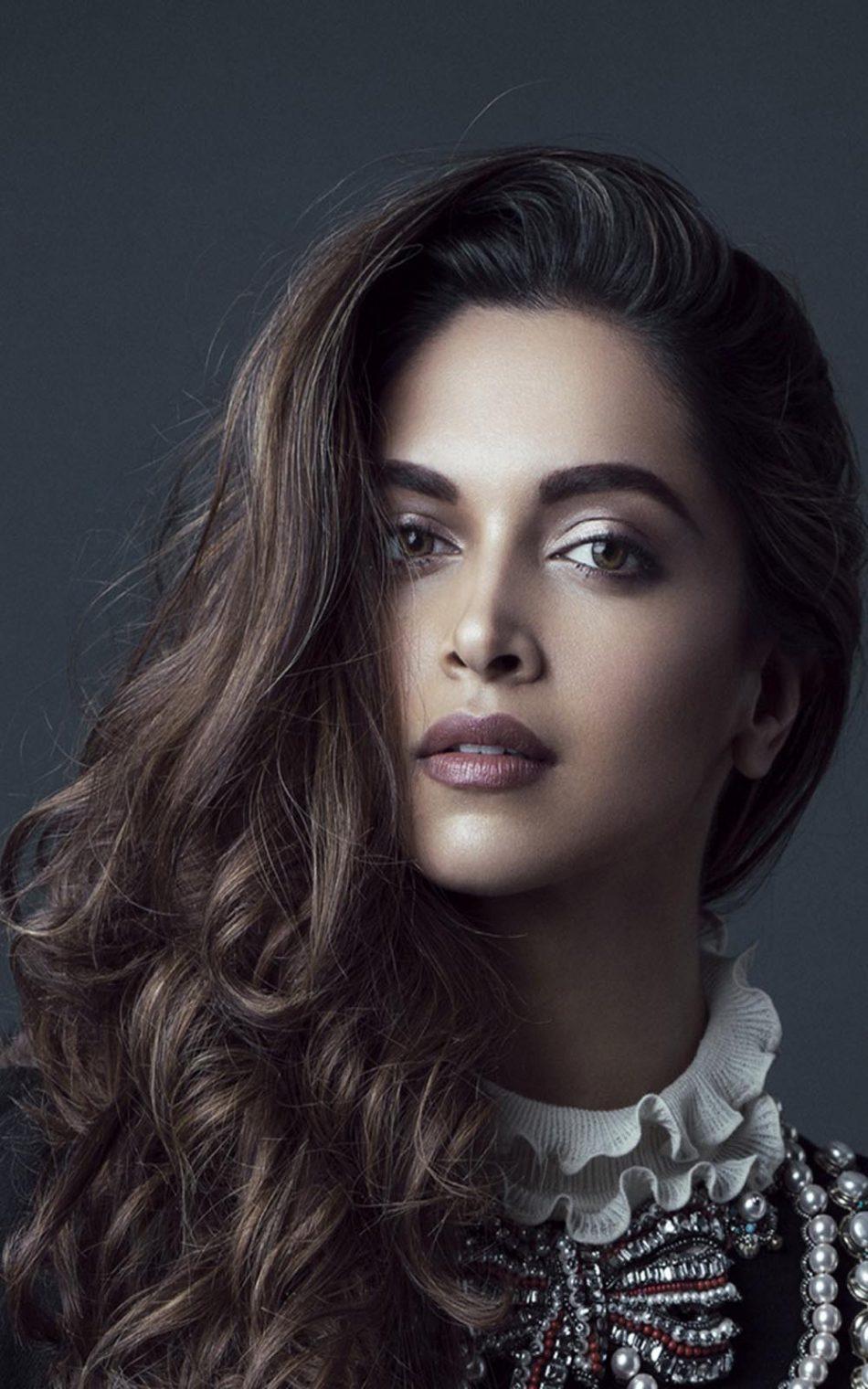 Deepika Padukone Close Look