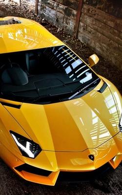 Yellow Lamborghin Aventador Preview