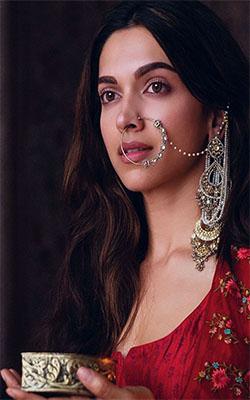Deepika Padukone in Mastani Mobile Wallpaper Preview