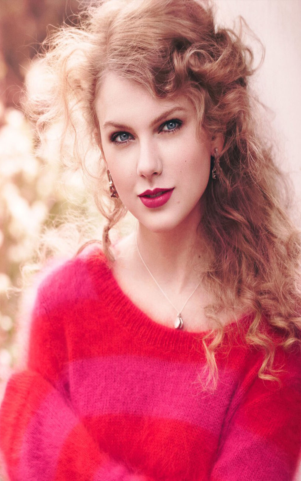 Taylor Swift in Pink Dress - Download Free HD Mobile ...