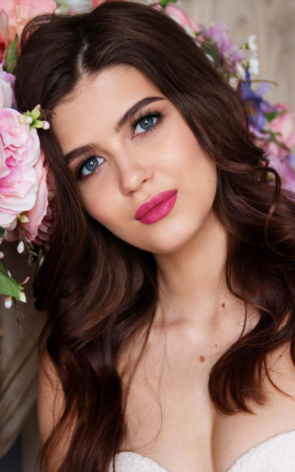 Beautiful Russian Girl - Download Free HD Mobile Wallpapers