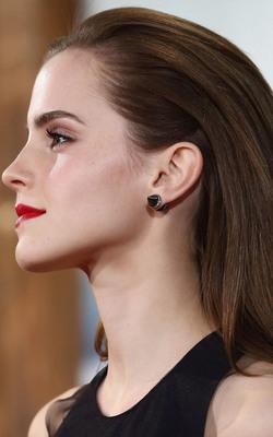 Emma Watson Stunning Look Mobile Wallpaper Preview