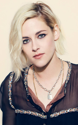 Kristen Stewart New Look Mobile Wallpaper Preview