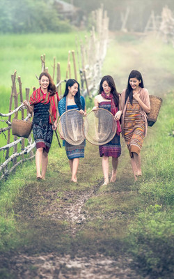 Thailand Countryside Girls Mobile Wallpaper Preview