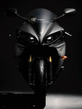 Black Yamaha YZF R1 HD Mobile Wallpaper Preview