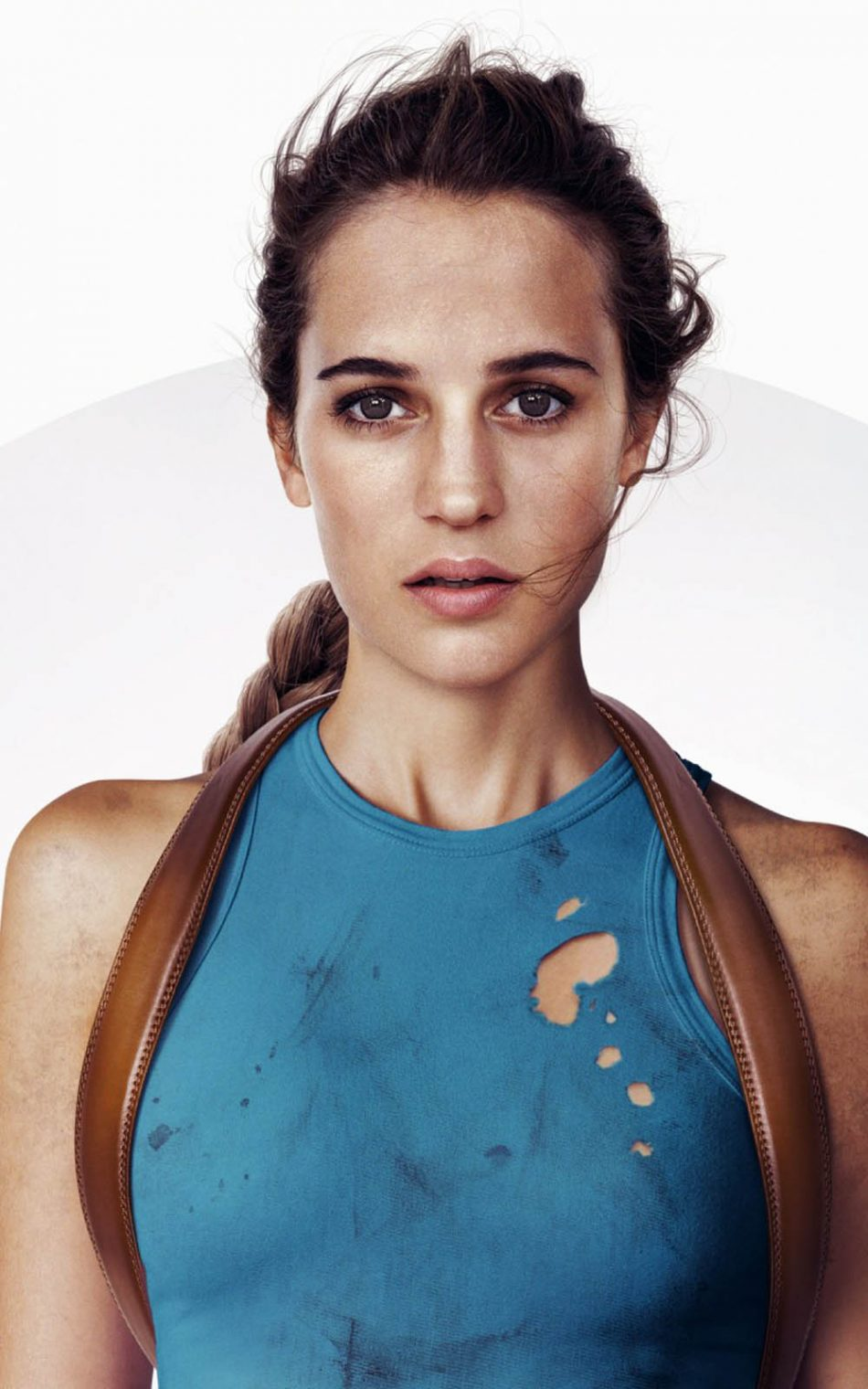 Alicia Vikander In Tomb Raider 2017 HD Mobile Wallpaper