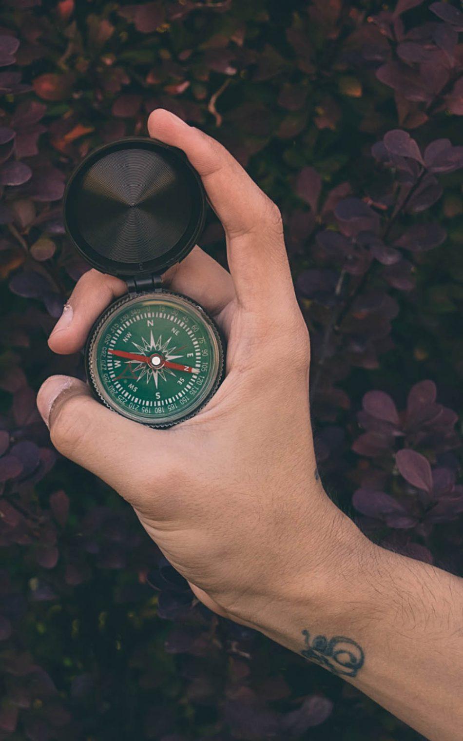 Hand Compass HD Mobile Wallpaper
