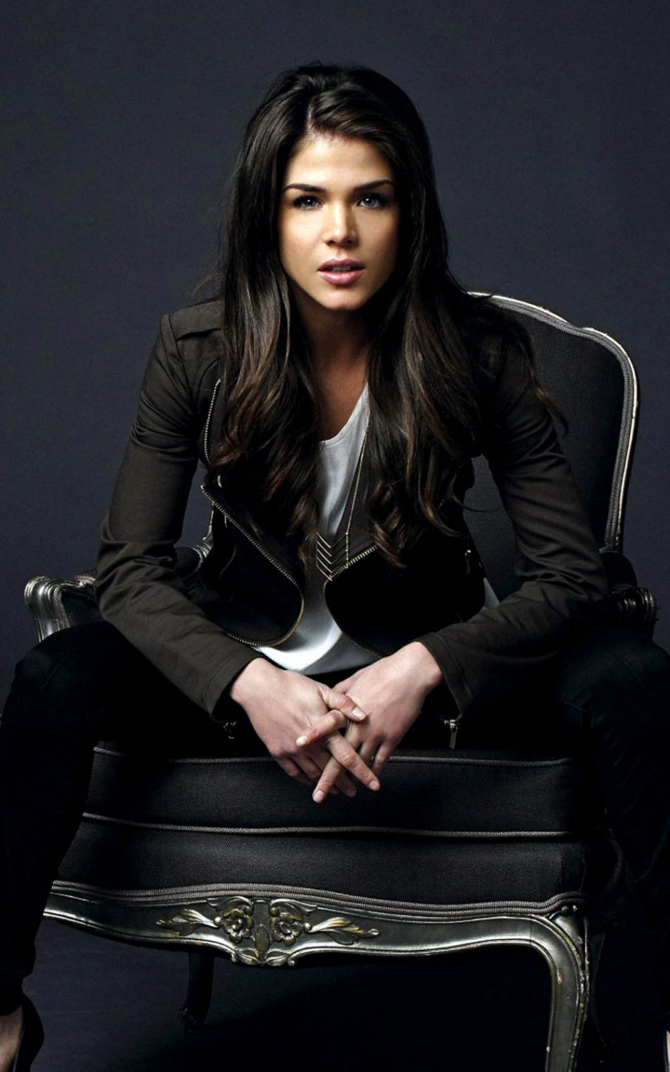 Marie Avgeropoulos HD Mobile Wallpaper