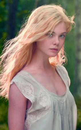 Elle Fanning Innocent Look HD Mobile Wallpaper