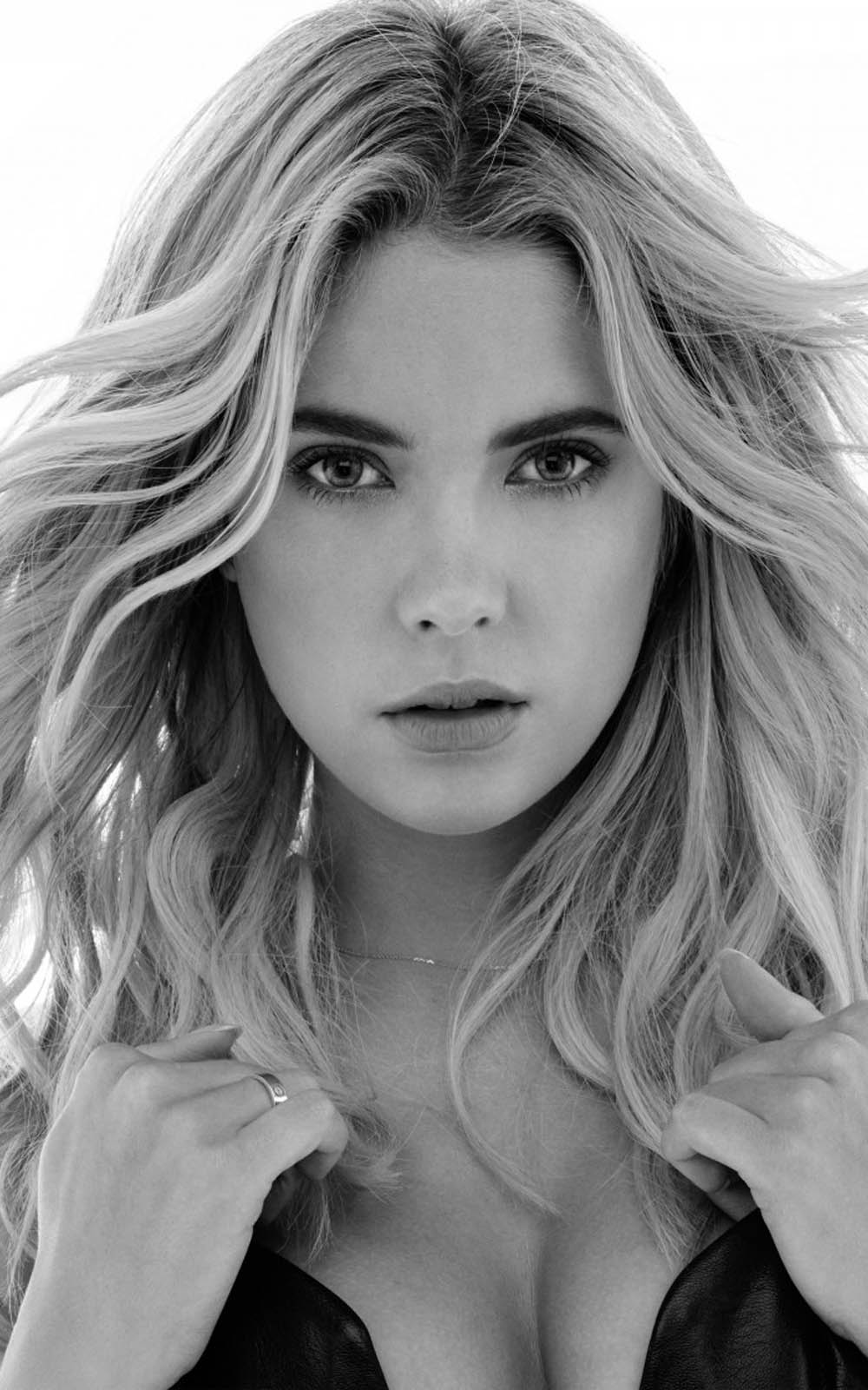 Ashley Benson Hot Topless Photos, Sexy Hd Pictures