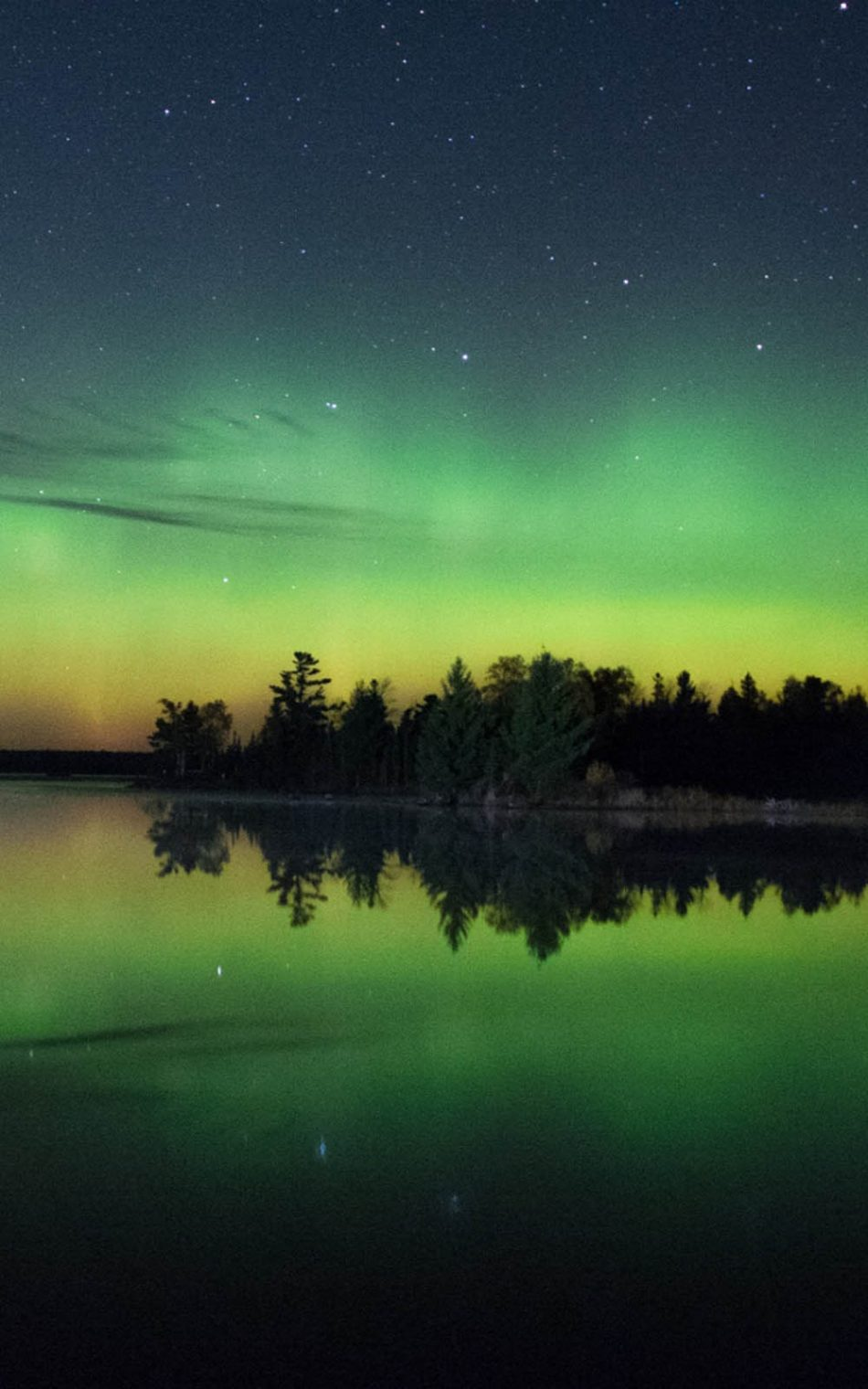 Green Starry Night Sky And River 4k Ultra Hd Mobile Wallpaper