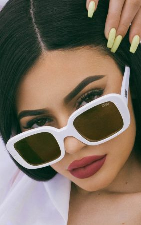 Kylie Jenner Quay 2017 Photoshoot HD Mobile Wallpaper