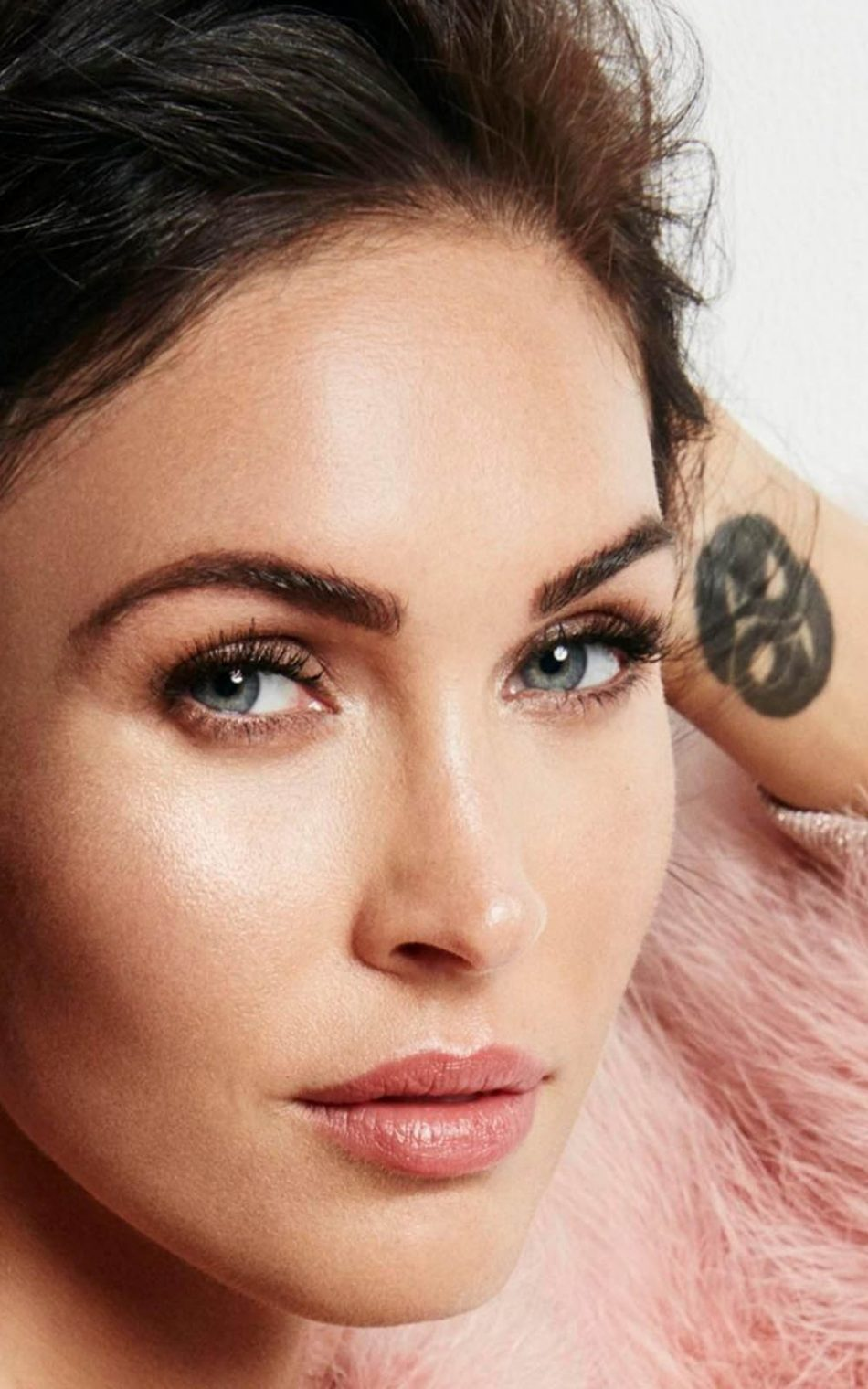 megan fox cosmopolitan 2017 photoshoot - download free 100% pure hd