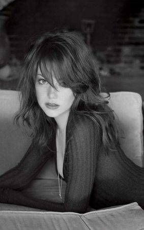 Emma Stone Hot BW Photoshoot HD Mobile Wallpaper