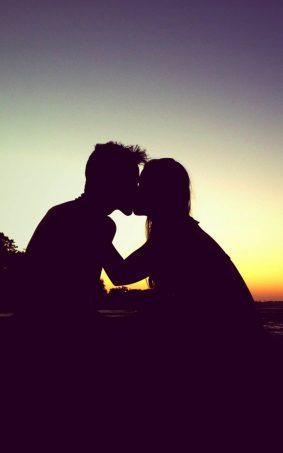 Sunset Couple Romantic Kiss HD Mobile Wallpaper