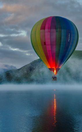 Colorful Hot Air Balloon Lake View HD Mobile Wallpaper