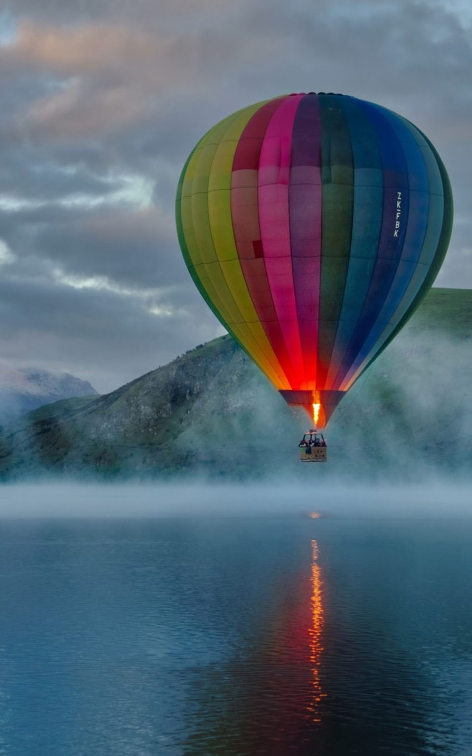 Colorful Hot Air Balloon Lake View Free 4k Ultra Hd Mobile Wallpaper