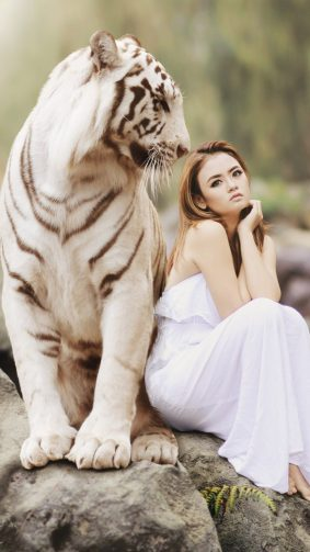 Asian Model With White Tiger Photoshoot HD Mobile Wallpaper