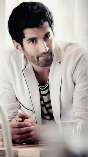 Handsome Aditya Roy Kapoor HD Mobile Wallpaper