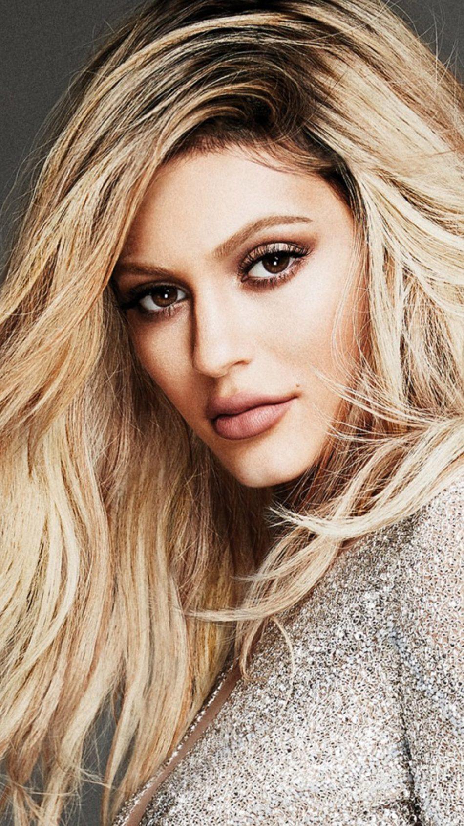 Kylie Jenner Elle Canada Photoshoot Free 4K Ultra HD ...