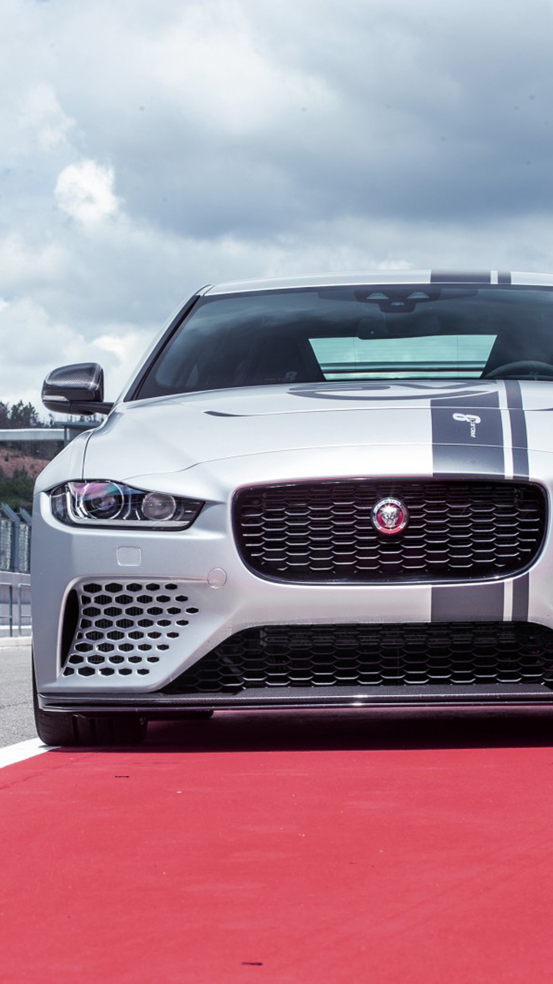 Jaguar Xe Sv Project 8 4k Ultra Hd Mobile Wallpaper