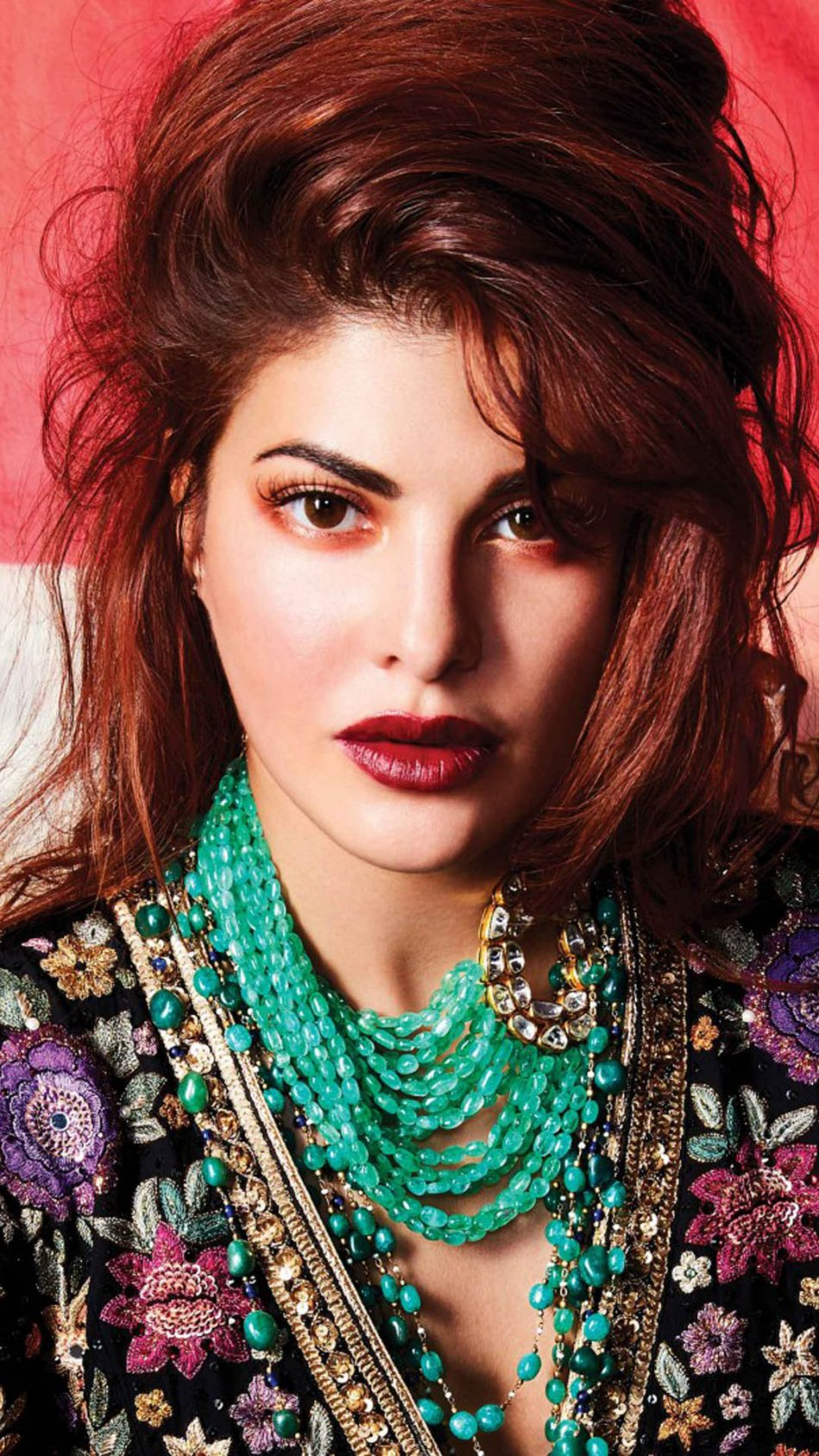 Download Beautiful Jacqueline Fernandez In Ethnic Wear Free Pure 4k