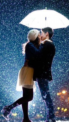 Couple Kissing Raining Umbrella HD Mobile Wallpaper
