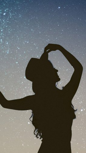 Silhouette Girl Starry Sky HD Mobile Wallpaper