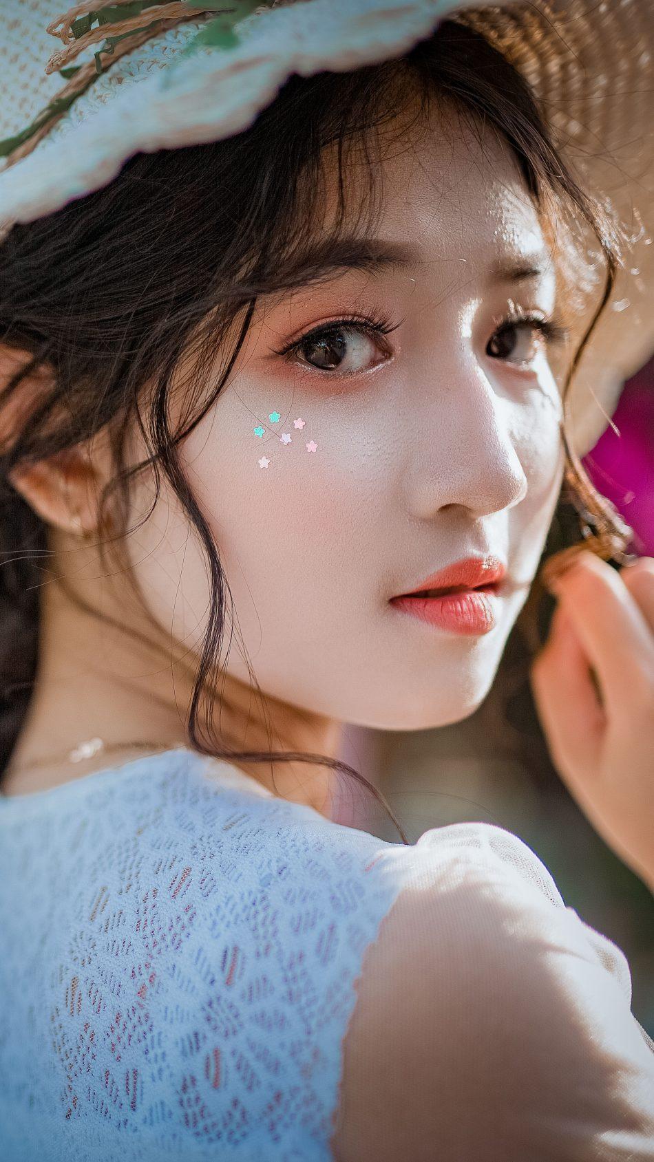 Asian Girl Cuteness Hat 4K Ultra HD Mobile Wallpaper