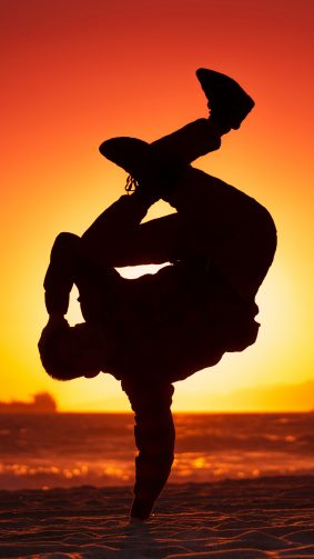 Boy Dance Beach Sunset Sunlight 4K Ultra HD Mobile Wallpaper