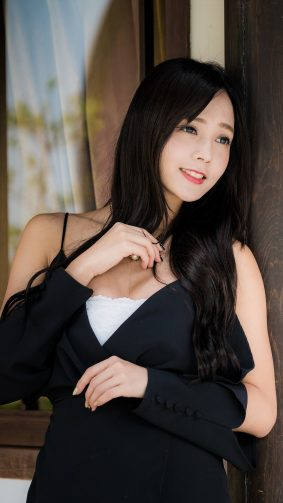 Cute Asian Black Dress 4K Ultra HD Mobile Wallpaper