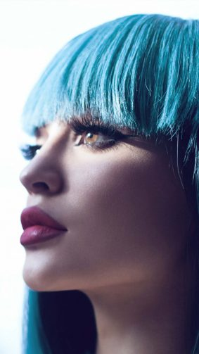 Kylie Jenner Blue Hair 4K Ultra HD Mobile Wallpaper