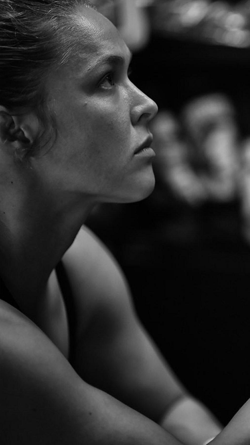 Ronda Rousey Wrestler BW 4K Ultra HD Mobile Wallpaper