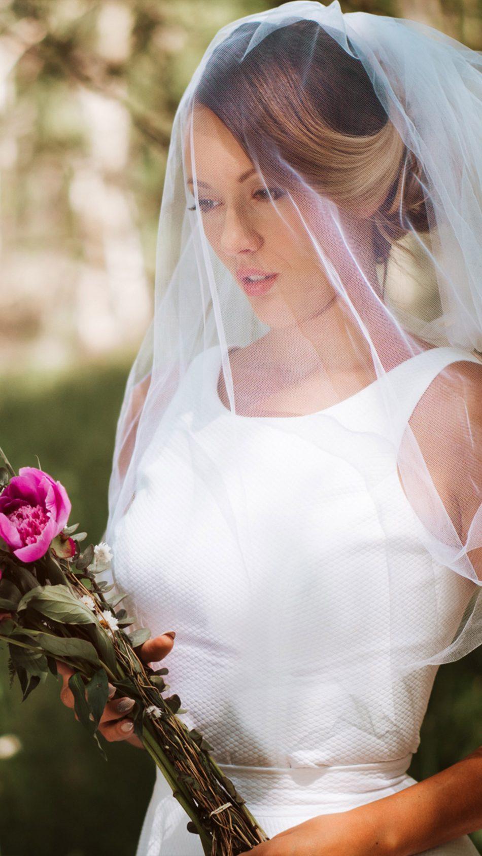 Woman Bride Wedding Dress Flowers 4K Ultra HD Mobile Wallpaper