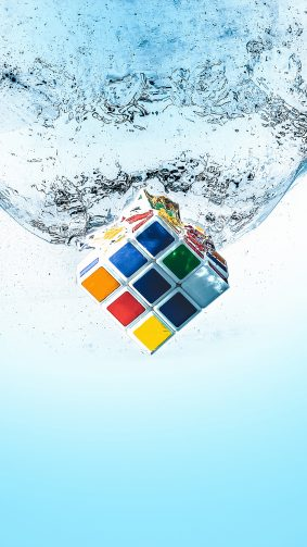 Rubik's Cube Splash Water 4K Ultra HD Mobile Wallpaper