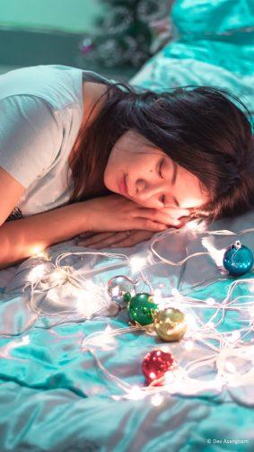 Beautiful Asian Girl Lights Christmas Decoration Photography 4K Ultra HD Mobile Wallpaper