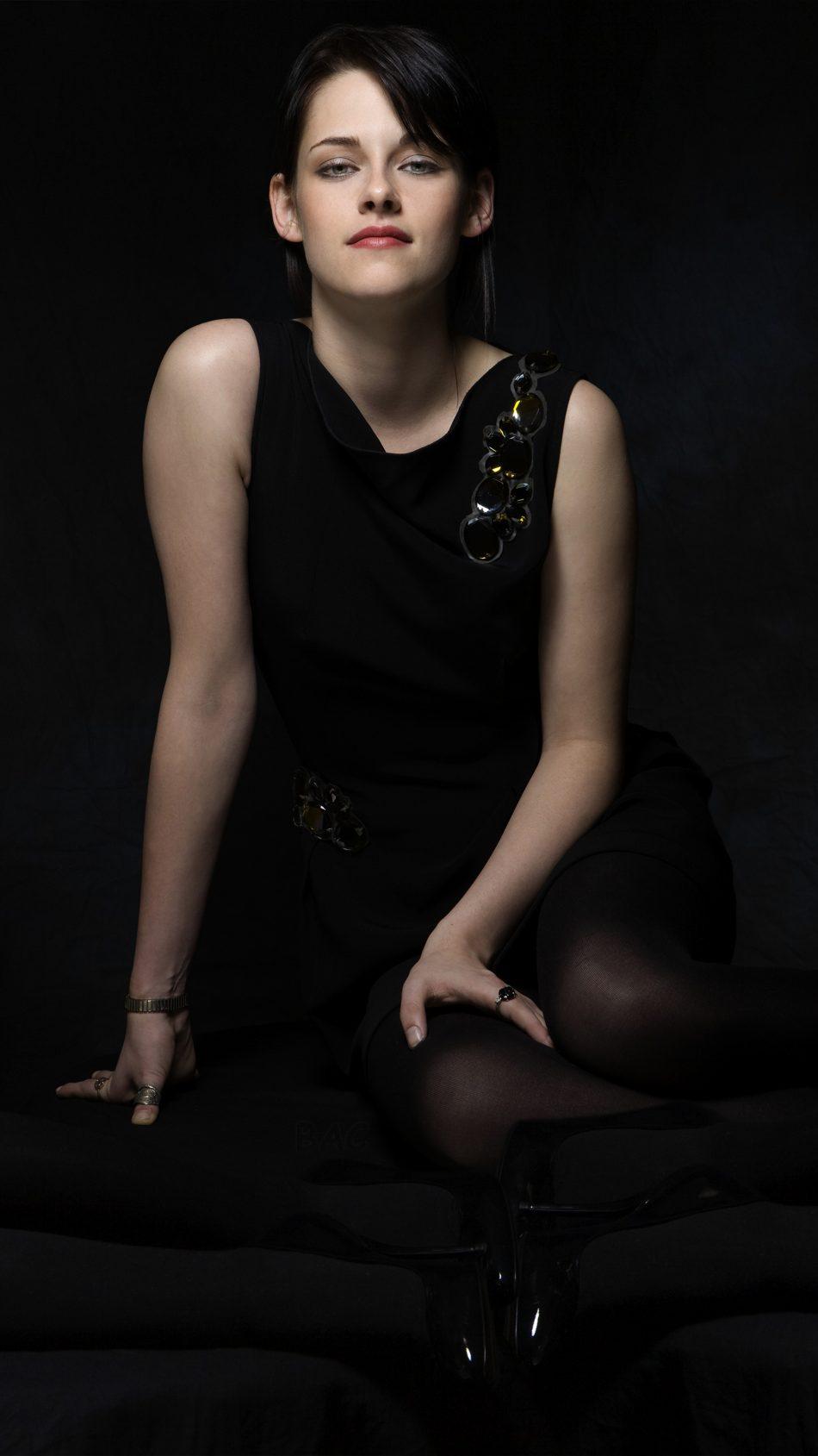 Kristen Stewart 2019 4K Ultra HD Mobile Wallpaper