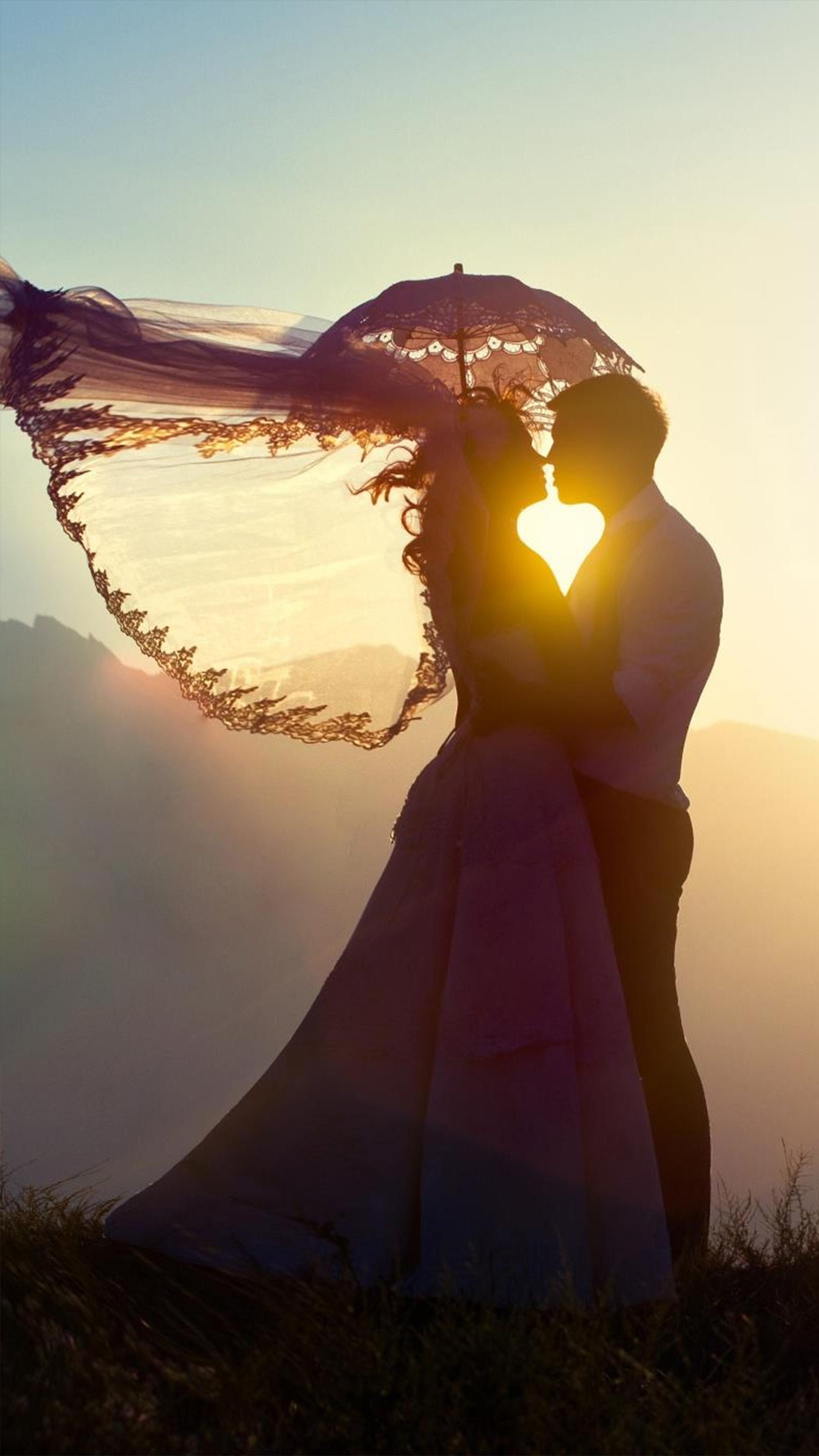 Couple Sunset Heart Free 4K Ultra HD Mobile Wallpaper