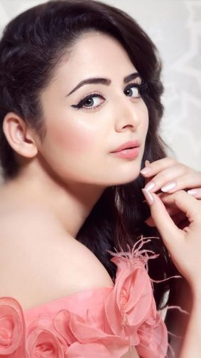 Gorgeous Zoya Afroz 4K Ultra HD Mobile Wallpaper