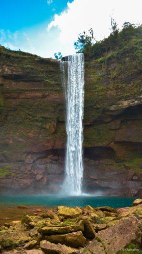 Waterfall Blue Sky Phe Phe Falls 4K Ultra HD Mobile Wallpaper