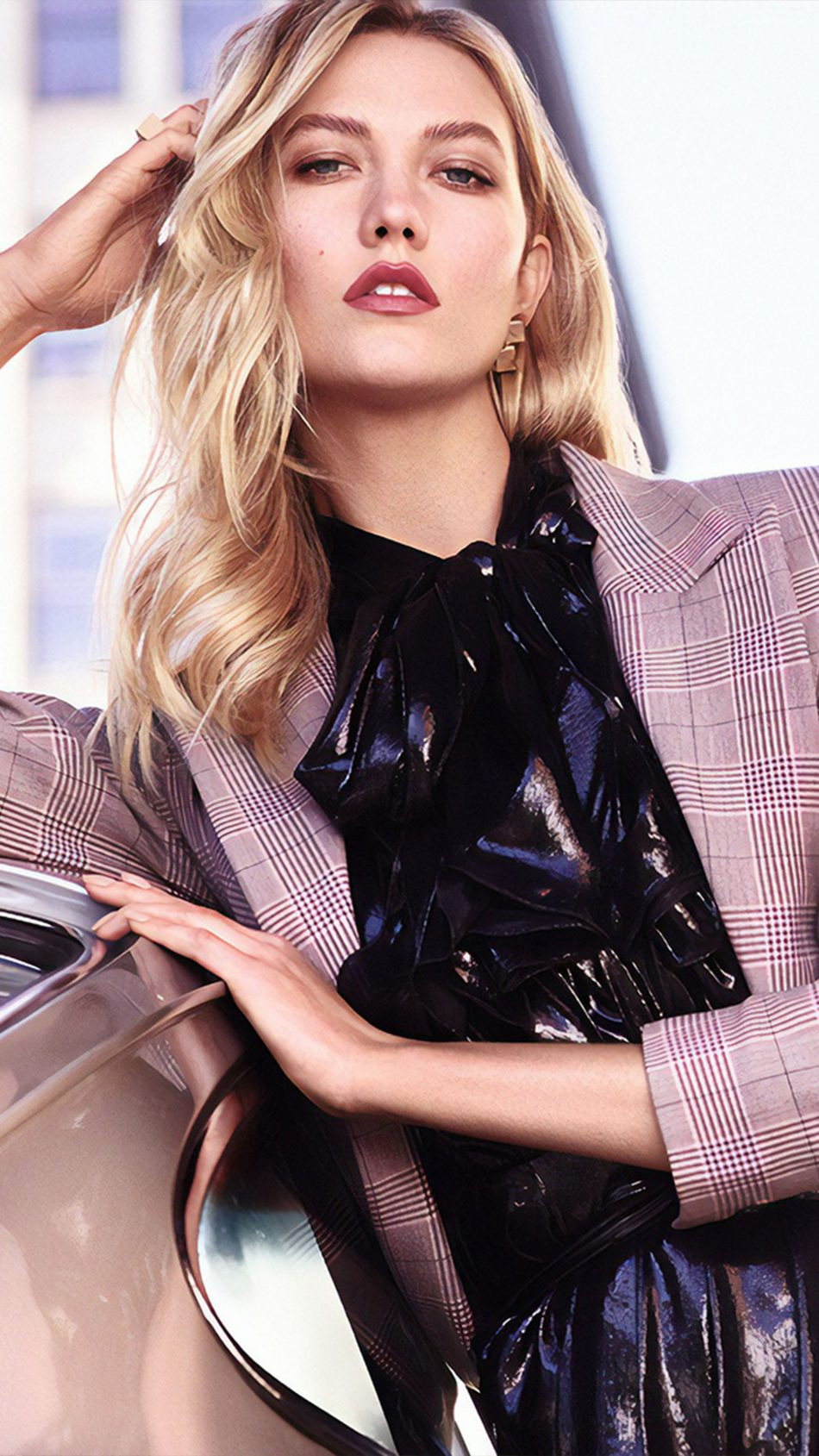American Model Karlie Kloss 4K Ultra HD Mobile Wallpaper
