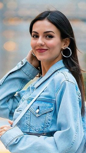 Victoria Justice Street Blue Jeans 4K Ultra HD Mobile Wallpaper