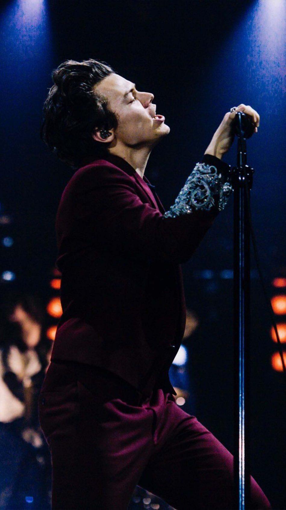 Harry Styles In Live Concert 4K Ultra HD Mobile Wallpaper