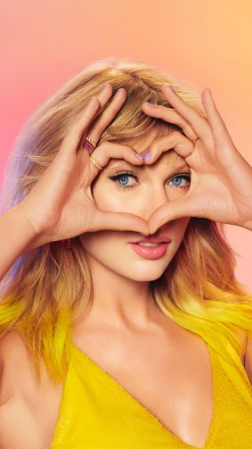 Taylor Swift Heart Shape With Hands 4K Ultra HD Mobile Wallpaper