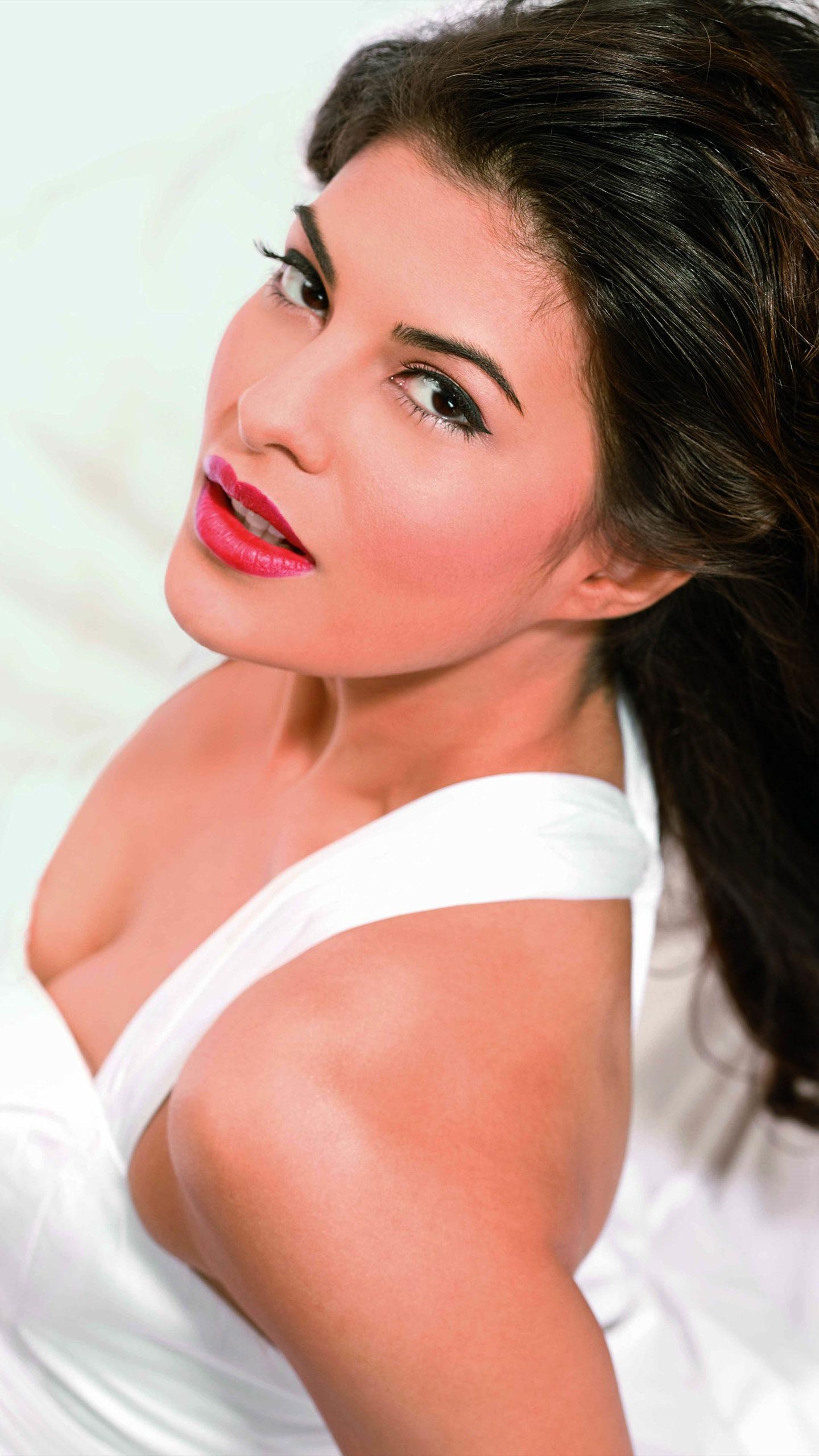 Beautiful Actress Jacqueline Fernandez 4K Ultra HD Mobile