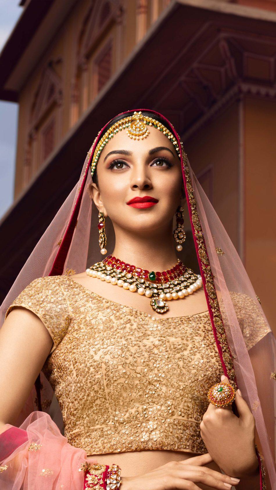 Kiara Advani In Traditional Dress 4K Ultra HD Mobile Wallpaper