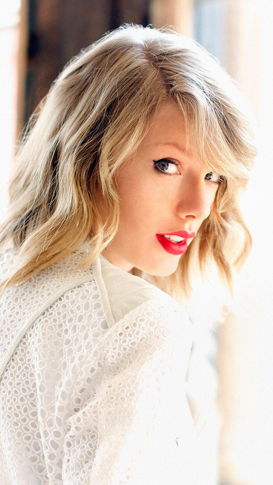 Singer Taylor Swift White Dress Blonde 4K Ultra HD Mobile Wallpaper