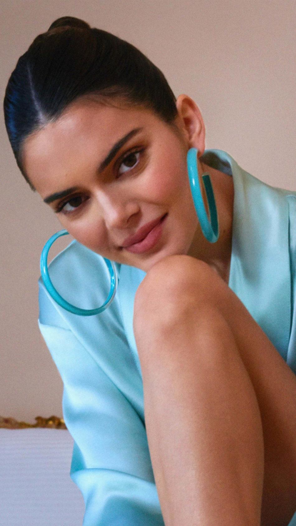 Kendall Jenner In Blue Dress 4K Ultra HD Mobile Wallpaper