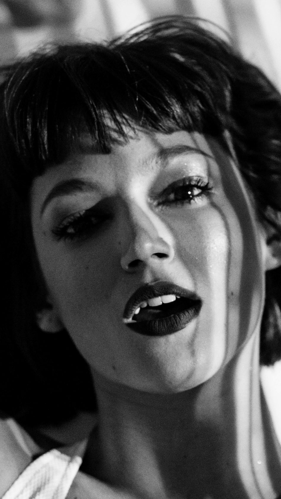 Ursula Corbero Closeup Black & White 4K Ultra HD Mobile Wallpaper